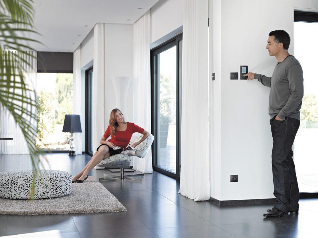 mat riel lectrique niederau. Black Bedroom Furniture Sets. Home Design Ideas